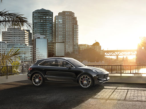 Life, intensified. Macan Turbo with Performance Package.